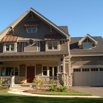 Inspiration for a large craftsman gray three-story mixed siding exterior home remodel in Chicago