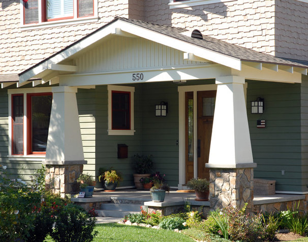 Craftsman Exterior by Kevin Rugee Architect, Inc.