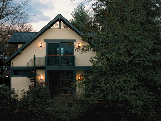 Мастеровой Фасад дома by Gardner Architects LLC