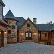 Rustic Exterior by Glennwood Custom Builders (NC)