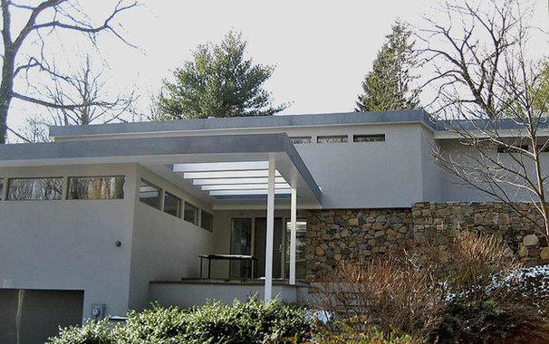Modern Exterior by Roger Hirsch Architect