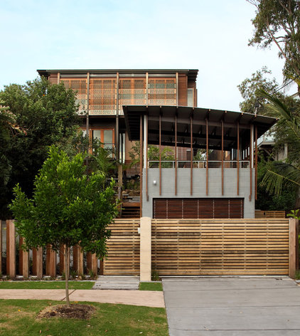 Contemporary Exterior by Living Style Landscapes