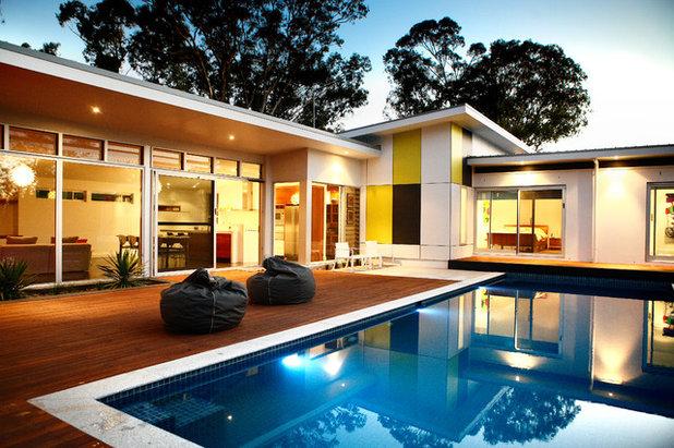 Midcentury Exterior by Adam Hobill : Design