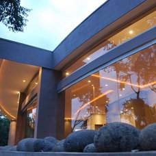 Contemporary Exterior by Mantica Architects