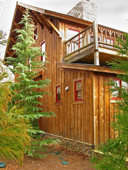 Rustic Exterior by VV Contracting, Inc