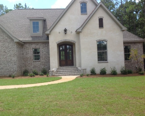 Brick and stucco houzz for Stucco and siding combinations