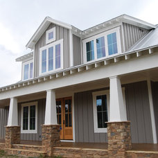 Craftsman Exterior by Satterwhite Construction Inc.
