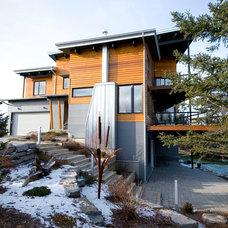 Modern Exterior by Maple Leaf Custom Homes