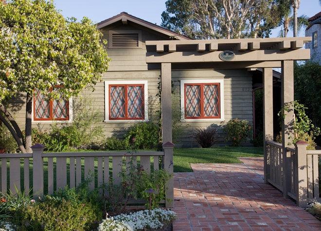 Exterior by Dorothy Howard AIA, Architect