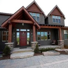 Traditional Exterior Custom House - Blue Mountains, ON