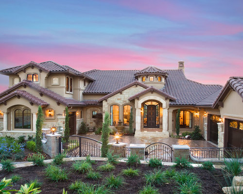 Custom mediterranean parade home in austin texas for Custom mediterranean homes