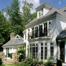 Traditional Exterior by lunadesigngroup