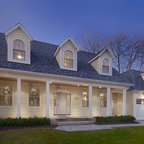 Hamptons Cottage Traditional Exterior New York By