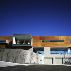 Modern Exterior by spfa.com