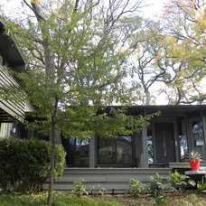Midcentury Exterior by Sarah Greenman