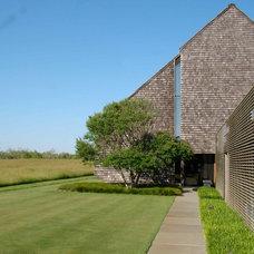 Contemporary Exterior by LaGuardia Design