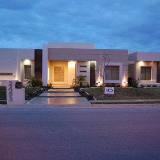 Modern exterior home idea in Austin
