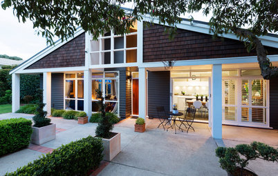 Houzz Tour: Step-By-Step Additions Enhance a New Zealand Gem