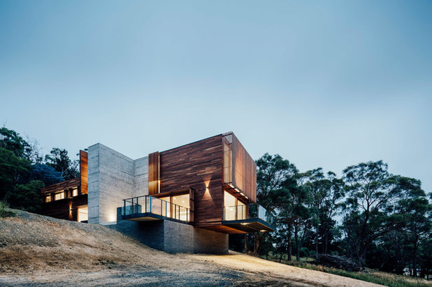 Contemporary Exterior by Moloney Architects