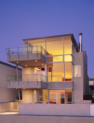 Modern Exterior by Dean Nota Architect