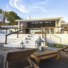 Contemporary Exterior by Hobus Homes
