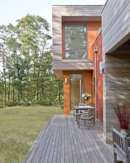 modern exterior by ZeroEnergy Design