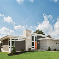 Transitional Exterior by SKL Architecture, LLC