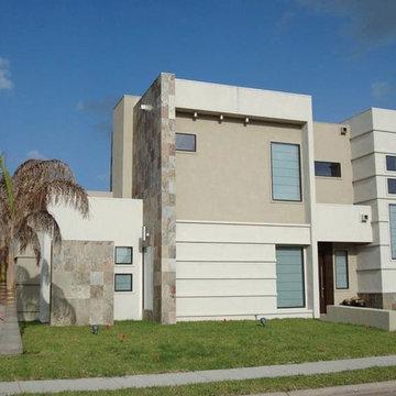 DeLuna House