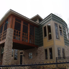 Craftsman Exterior by CONCEPTS IN DESIGN INC.
