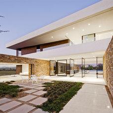 Contemporary Exterior by Modulo Cucine LA