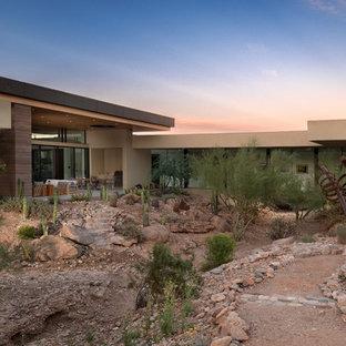 Southwestern exterior home idea in Phoenix