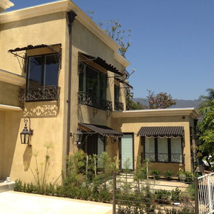 Trendy exterior home photo in Los Angeles
