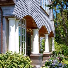 Traditional Exterior by Polhemus Savery DaSilva
