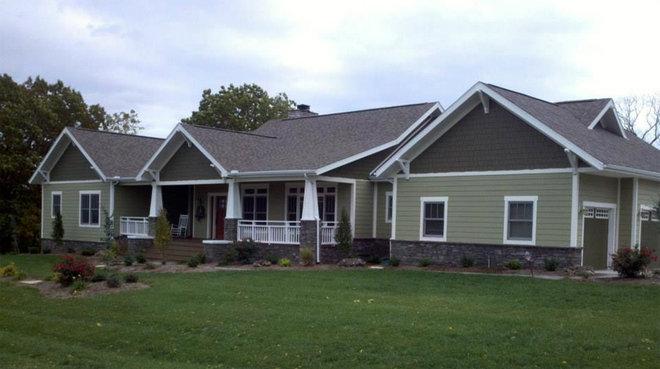 Craftsman Exterior by Lindus Construction/Midwest LeafGuard