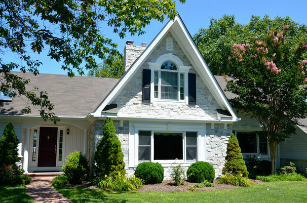 Traditional Exterior by TailorCraft Builders, Inc.