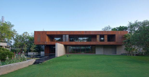 Contemporary Exterior by SPASM