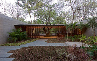 Houzz Tour: Ahmedabad Home Uses Nature to Temper a Harsh Climate