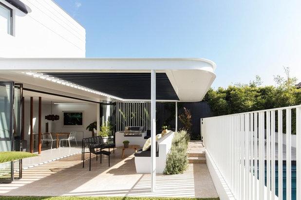 Современный Фасад дома by Sam Crawford Architects
