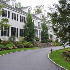 Traditional Exterior by Timothy Sheehan, ASLA