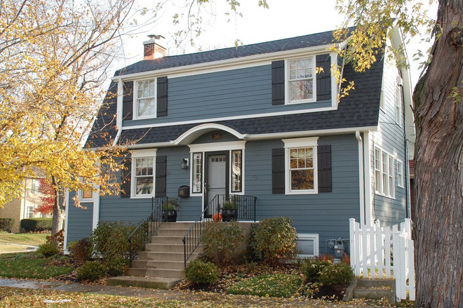 Roots Of Style Dutch Colonial Homes Settle On The Gambrel