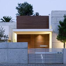 Modern Exterior by Axelrod Design
