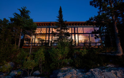 Houzz Tour: Modern Warmth for a Lake Superior Getaway
