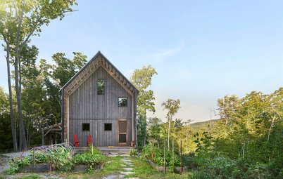 Houzz Tour: Scandinavian Style in a New Hampshire Woodland