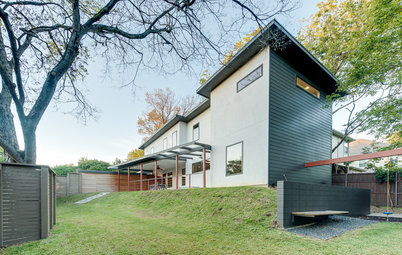 Modern Home Exteriors Turn a Corner With Mixed Materials