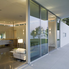modern exterior by Bushman Dreyfus Architects