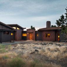 Modern Exterior by Scott Gilbride/Architect Inc.