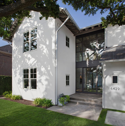 Transitional Exterior by Cusimano Architect