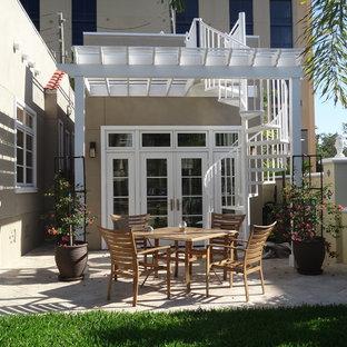Contemporary exterior home idea in Tampa