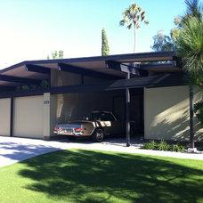 Modern Exterior Eichler home restoration