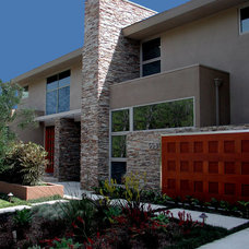 Contemporary Exterior by Interstices